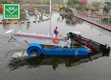 湖面清洁船